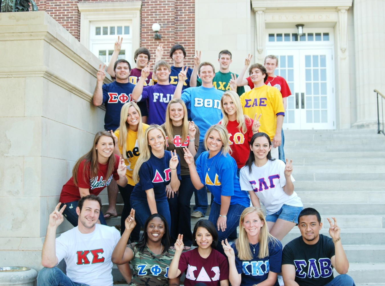 Greek Life: To Rush or Not to Rush? | IvyWise