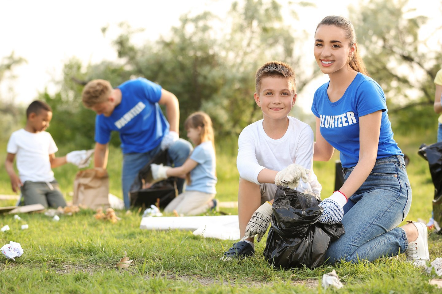 4 Ways to Give Back to Your Community This Summer