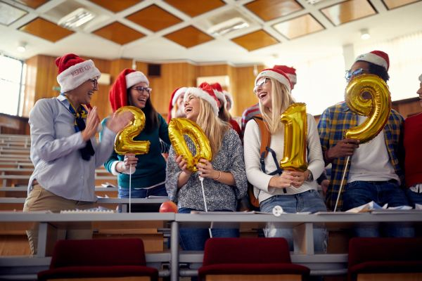 How the College Application Process Helps You Manage the Holidays
