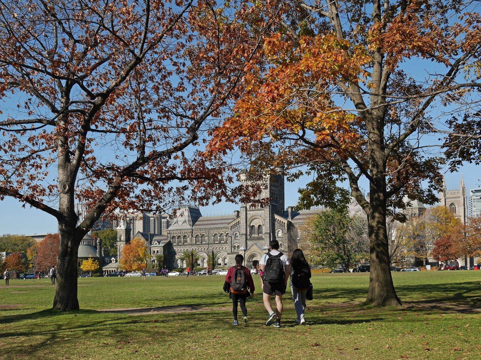 college_campus_fall.jpg