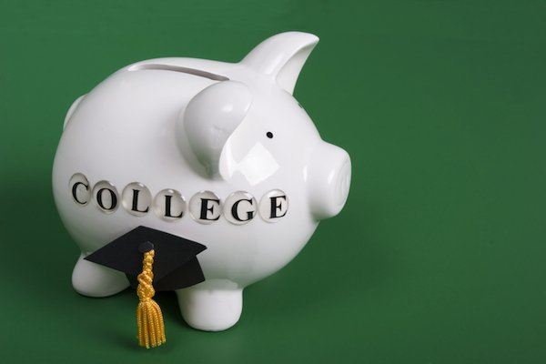 Five Easy Tips to Help Your Child Find Scholarships