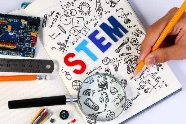 Dr. Kat's List: Five Colleges for STEM Majors