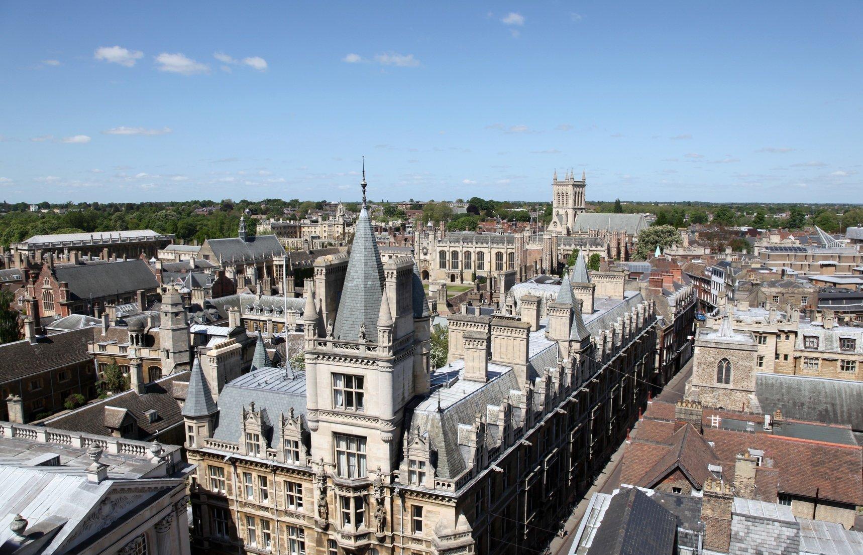 us vs. uk college costs